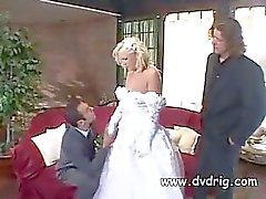 Missy Monroe Gerade verheiratetes und feiert die Event Werbeagentur verdammte ihren neuen Mann und die besten Mann At The Same Time Dreier Flotter Anale