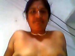 South Indian Aunty got fucking with her Neghbor