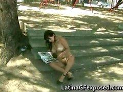 Enfant latin gros seins en appréciant la part2 stationnement