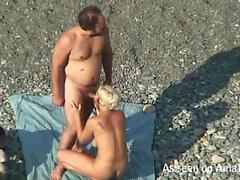 Slut filmed while giving head at a beach