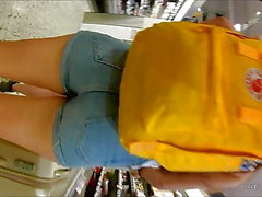 Norwegian Teen tight jeansshorts