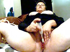 BBW mature masturbating on webcam