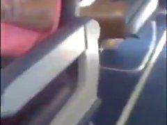 Madison Ivy masturbation amateur sur un avion