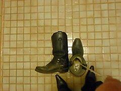 Piss på cowboykängor