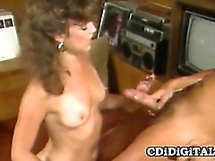 Cute babe gets her pussy licked