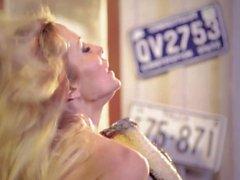 Jessica Drake au Asa Akira pornographique