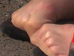Candid Teens resting Nylon Feet Sexy