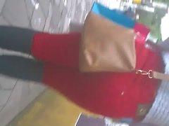 mulata gostosa rebolando jeans red rua 2