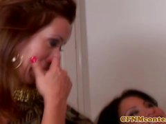 Femdoms Sienna West and Sophia Lomeli tugging