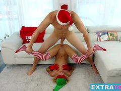 Uma the elf gets her pussy destroyed by a monster cock