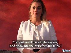 Kamu Ajan Seksi öğretmen Agnes Beyaz bir araba için e bir lanet