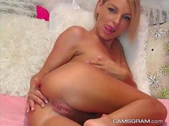 Horny Blonde On Homemade Action
