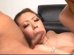 Ryuu Narushima enjots orgasme pur pendant porno brut