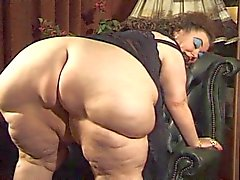 BBW granny dildoed and fisted