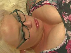 MILF with glasses Missy Monroe getting nailed