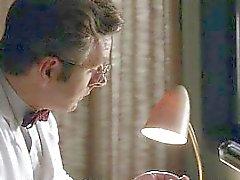De Kristen Hager nichons et son cul dans une scène de masturbation