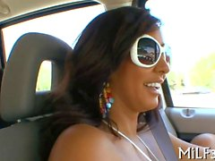 Latina has a nice time in the dudes car