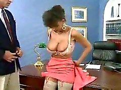 Excitée patron de baise sa nouveau secrétaire