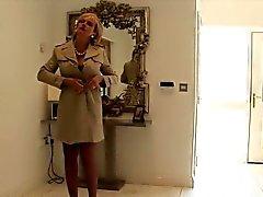 Обмана британской милф жаберную Эллиса выскакивает ей массивные синицы