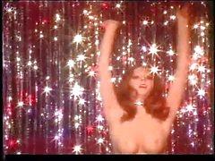 Casandra Peterson aka Elvira (Mistress of the dark)