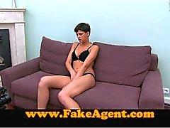 FakeAgent Fashion chick