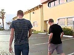 Gençlerin gey fit Benzin Karakolundaki porno film Yrd