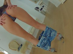 Abrill self fingering masturbation on Give Me Pink