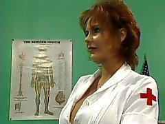 Le sexe W Redhead de MILF infirmier