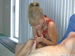 Granny liebt diese Big Cock