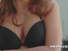 Evelina Darling, beroende av underkläder och analsex