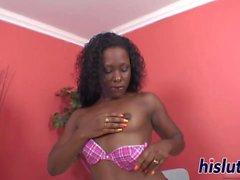 Kinky masturbation session with an ebony slut