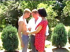 husband and wife do not her son in the garden