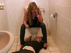 Mistress Katja Tuvalet