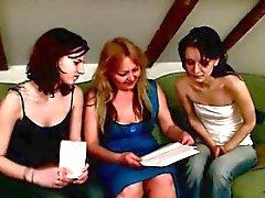 Professeur Lustful appris les filles Comment avoir de lesbiennes .