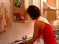 Eccitati Milf scopata duro In Cucina !