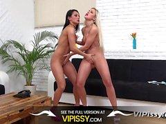 Vipissy - Dido Angel ve Lexi Dona birbirlerine piss