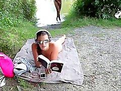 Amateur Geiles Babe Laesst Sitsch einfach am Strand In zu sehen Ficken und besamen