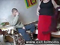 Michael 19 neukt 63 jaar Granny