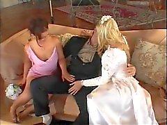 Bruid het krijgen van een meisje en een kerel te neuken
