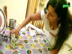 unsatisfied indian house wife romance carpenter when husbend in bath room telugu shrt film