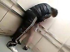 Hidden камера в лифт бросается пижон лаская ее и г