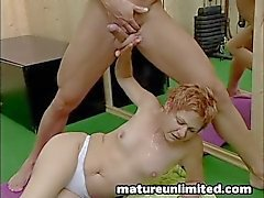 Moms hairypussy gets pounded