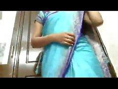 Indian Telangana telugu aunty very big white milky boobs & navel in saree strip
