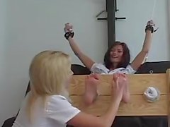 De Britney Tickles Crissy Moran