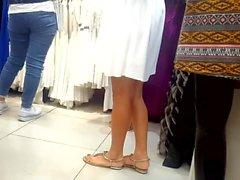 Sincero, Gf piernas calientes, pies y dedos de los pies en las compras