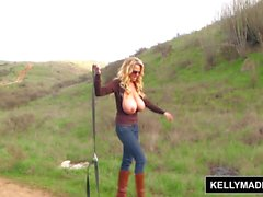 KELLY MADISON - Outdoor Masturbation Session