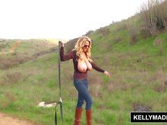 KELLY MADISON - Outdoor Masturbation Session