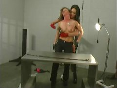 lesbian facesitting 1