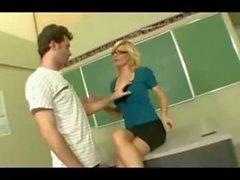 Зрелые учителя обучения студентов