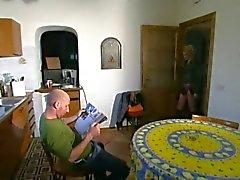 ITALIENSK PORN 3 blond tonåring baben och en äldre Mannen